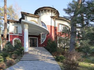 Главный вход дома Принц Востока: Дома в . Автор – Adam Guzuev Studio