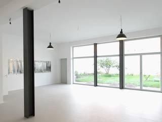 Mehrfamilienhaus B - Neubau eines Wohnhauses mit Atelier Architekturbüro Schumann Moderne Arbeitszimmer