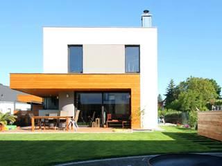 Wohnhaus MT - Neubau eines Einfamilienhauses mit Carport Architekturbüro Schumann Moderne Häuser