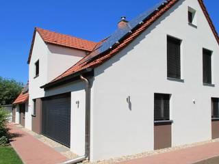 Wohnhaus M - Sanierung eines Einfamilienhauses:  Häuser von Architekturbüro Schumann