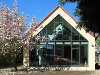 Wohnhaus L - Erweiterung eines Einfamilienhauses:  Häuser von Architekturbüro Schumann