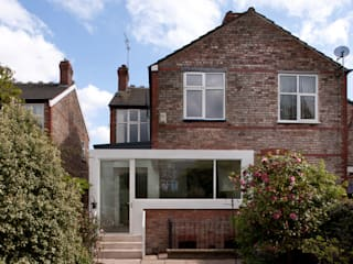Dudley Road in Manchester Moderne huizen van Studio Maurice Shapero Modern