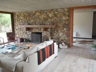 Piso de duelas. Paredes y pisos de estilo rústico de Ignisterra S.A. Rústico Madera Acabado en madera