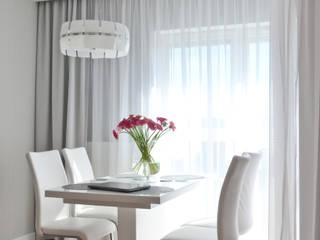 Mieszkanie 74m2 - Albatross Towers Gdańsk - 2016: styl , w kategorii Jadalnia zaprojektowany przez Pracownia Projektowa Studio86