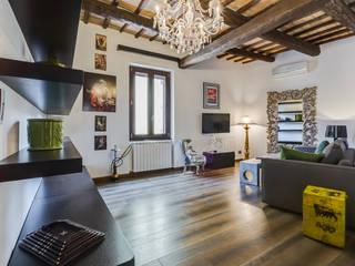 Cavour | modern style: Soggiorno in stile  di EF_Archidesign