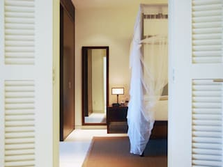 Suite:  Hotels by Deirdre Renniers Interior Design