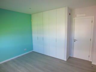 Schlafzimmer von Belgas Constrói Lda, Modern