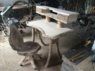 Coşkun Ahşap Dekorasyon – ahşap döner sandalye ve çalışma masası:  tarz