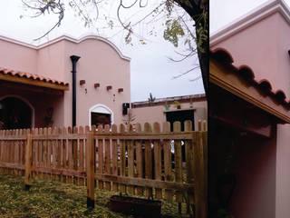 Casas coloniais por MONARQ ESTUDIO Colonial