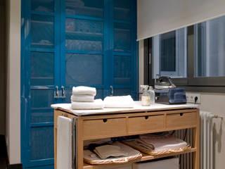 Lavadero con planchador Cocinas modernas de DEULONDER arquitectura domestica Moderno