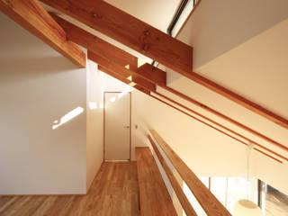 T邸ー屋根窓の家: C-design吉内建築アトリエが手掛けた和室です。