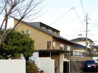 T邸ー屋根窓の家: C-design吉内建築アトリエが手掛けた家です。