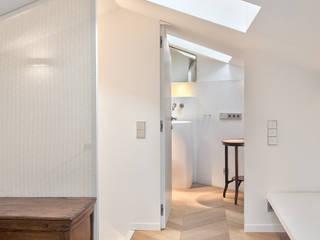 BARTOLI DESIGN Ingresso, Corridoio & Scale in stile moderno
