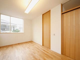株式会社Fit建築設計事務所 Modern style bedroom Wood White