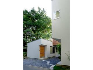 小さな森のアトリエ モダンな 家 の 株式会社Fit建築設計事務所 モダン