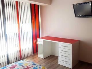 Almacén de Carpintería Gómez Nursery/kid's roomDesks & chairs
