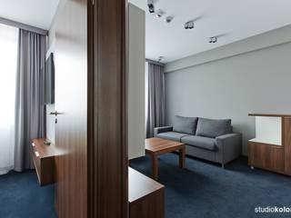 โรงแรม โดย STUDIO KOLOROVA, โมเดิร์น