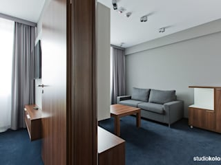 STUDIO KOLOROVA의  호텔, 모던