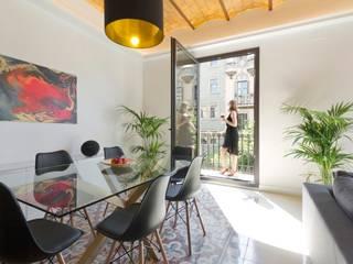 Barcelona Plaza de Catalunya.: Comedores de estilo  de IPUSA obras y servicios