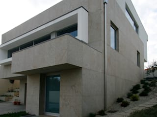 Meadela House | Viana do Castelo: Casas  por Valdemar Coutinho Arquitectos,Moderno