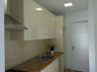 Cozinha: Cozinhas  por Happy Ideas At Home - Arquitetura e Remodelação de Interiores,Moderno