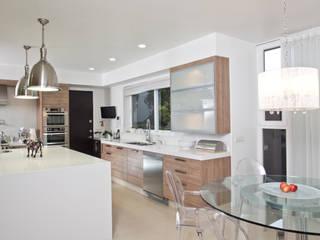 Casa LH: Cocinas de estilo  por IX2 arquitectura