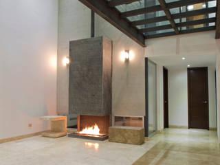 Casa CSG: Pasillos y recibidores de estilo  por IX2 arquitectura