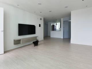 Livings de estilo moderno de 진플랜 Moderno