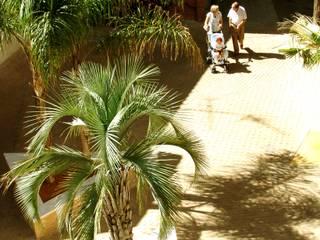 Jardines de estilo  de jesus rubio arquitectos