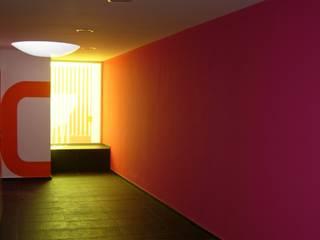 Estudios y despachos de estilo  de jesus rubio arquitectos