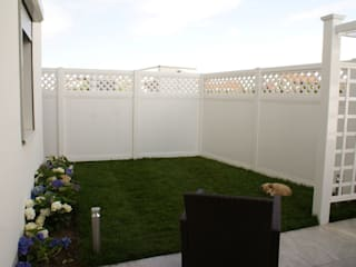modern  by TOP FENCE s.c., Modern