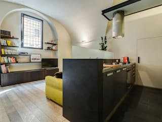 Cavour | Loft Cucina moderna di EF_Archidesign Moderno