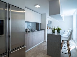 Modern kitchen by HO arquitectura de interiores Modern