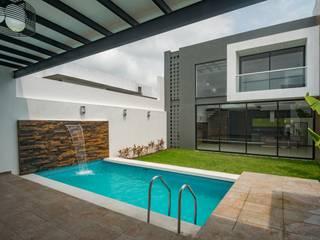 Pool by ROKA Arquitectos, Minimalist Tiles