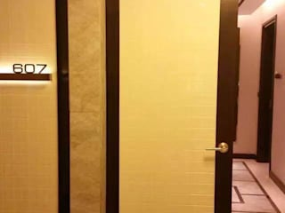 Veri Series in Solaire Hotel Project ShellShock Designs Hotels Marble Amber/Gold