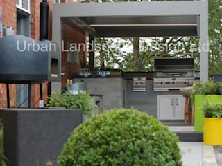 Outdoor Kitchen & RENSON® canopy Jardin moderne par Urban Landscape Design Ltd Moderne