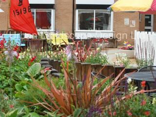 Dementia Home Seaside Garden Jardines de estilo clásico de Urban Landscape Design Ltd Clásico