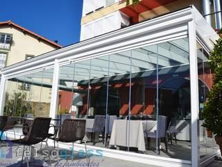 Ampliando espacios: Hoteles de estilo  de FELSOGLASS S.L.