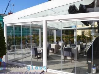 Confort y ahorro energético : Hoteles de estilo  de FELSOGLASS S.L.