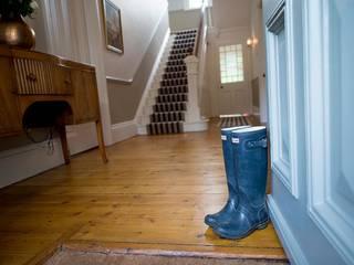 Hallway 經典風格的走廊,走廊和樓梯 根據 Nikki Rees Interior Design 古典風