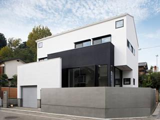 調布のガレージハウス モダンな 家 の 株式会社Fit建築設計事務所 モダン