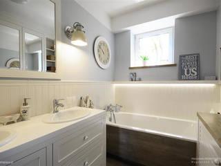 Pastelowa łazienka Klasyczna łazienka od Pracownia Projektowa Pe2 Klasyczny