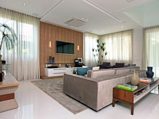 Salas de estilo moderno de Eveline Sampaio Arquiteta e Designer de Interiores Moderno