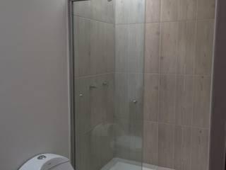 Baño Secundario:  de estilo  por Ambás Arquitectos