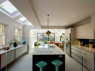 Kitchen Extension, East Molesey Cube Lofts Modern style kitchen