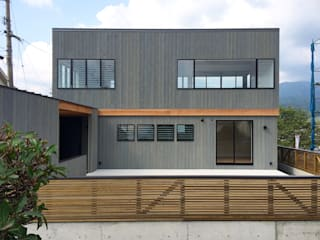 Houses by ZOYA Design Office, Rustic