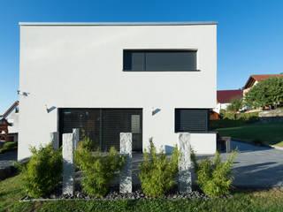 Wohnhaus 2 in Petersberg-Steinhaus: moderne Häuser von herbertarchitekten Partnerschaft mbB