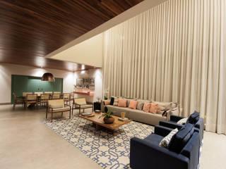 Salones de estilo moderno de Elisa Vasconcelos Arquitetura Interiores Moderno