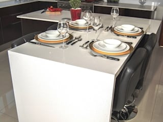 High gloss Dark Mahogany Kitchen Modern kitchen by Ergo Designer Kitchens Modern
