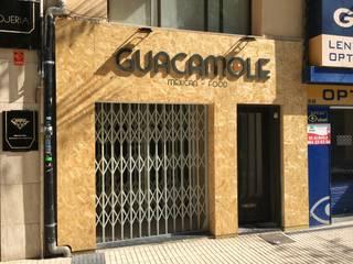 GUACAMOLE MEXICAN FOOD: Locales gastronómicos de estilo  de Ismael Belles Interiorismo